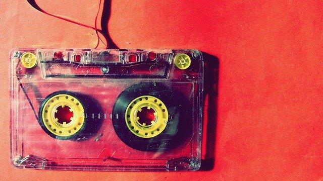 Régi tinik, új tinik és a zenék (letöltése)