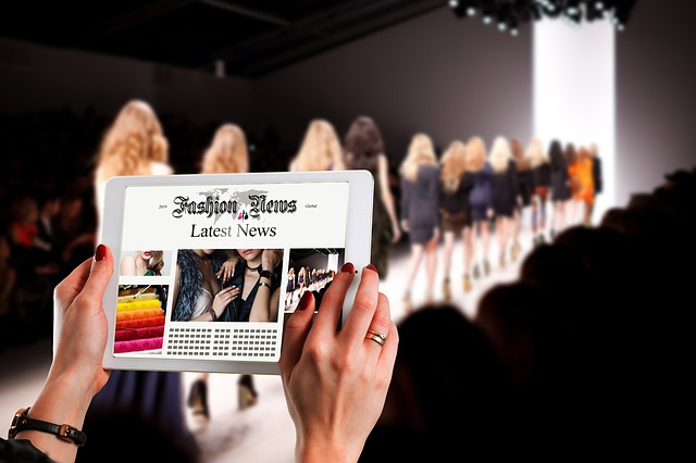 Utcai divat a párizsi Fashion Week-ből